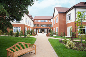 Great Oaks welcomes new care home manager