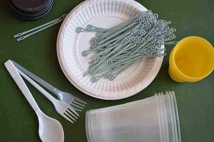 cut single-use plastics items