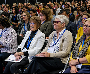 Women sitting at the Diabetes Professional Care